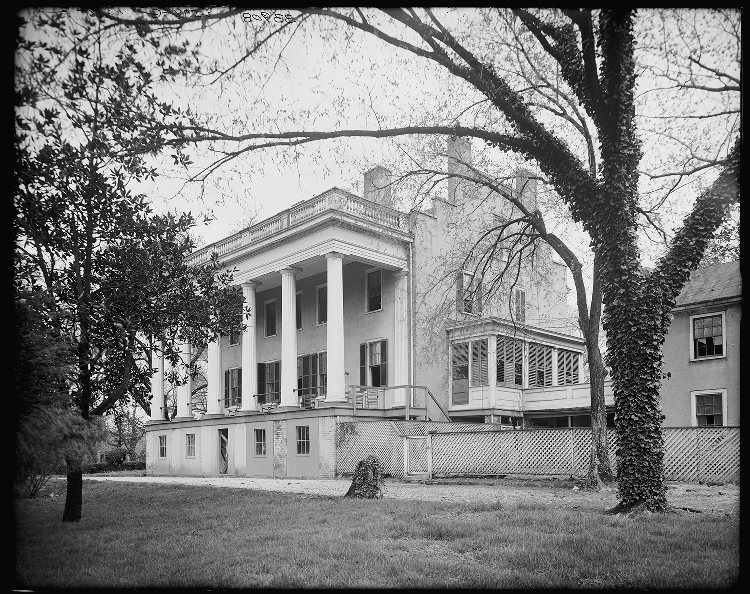 Elizabeth Van Lew's home in Richmond, Virginia, circa 1910. (Credit: Detroit Publishing Company Collection/The Library of Congress)