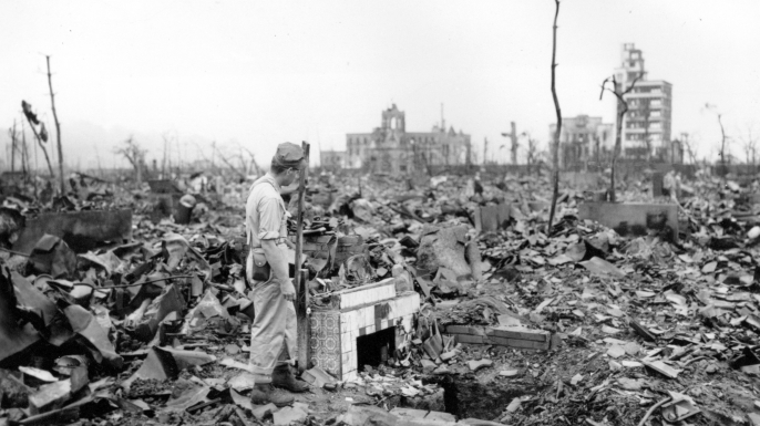 the controversy regarding the atomic bomb in 1945 President harry s truman, november 1945 at the may 31 meeting, lawrence  suggested that a demonstration of the atomic bomb might possibly convince the.