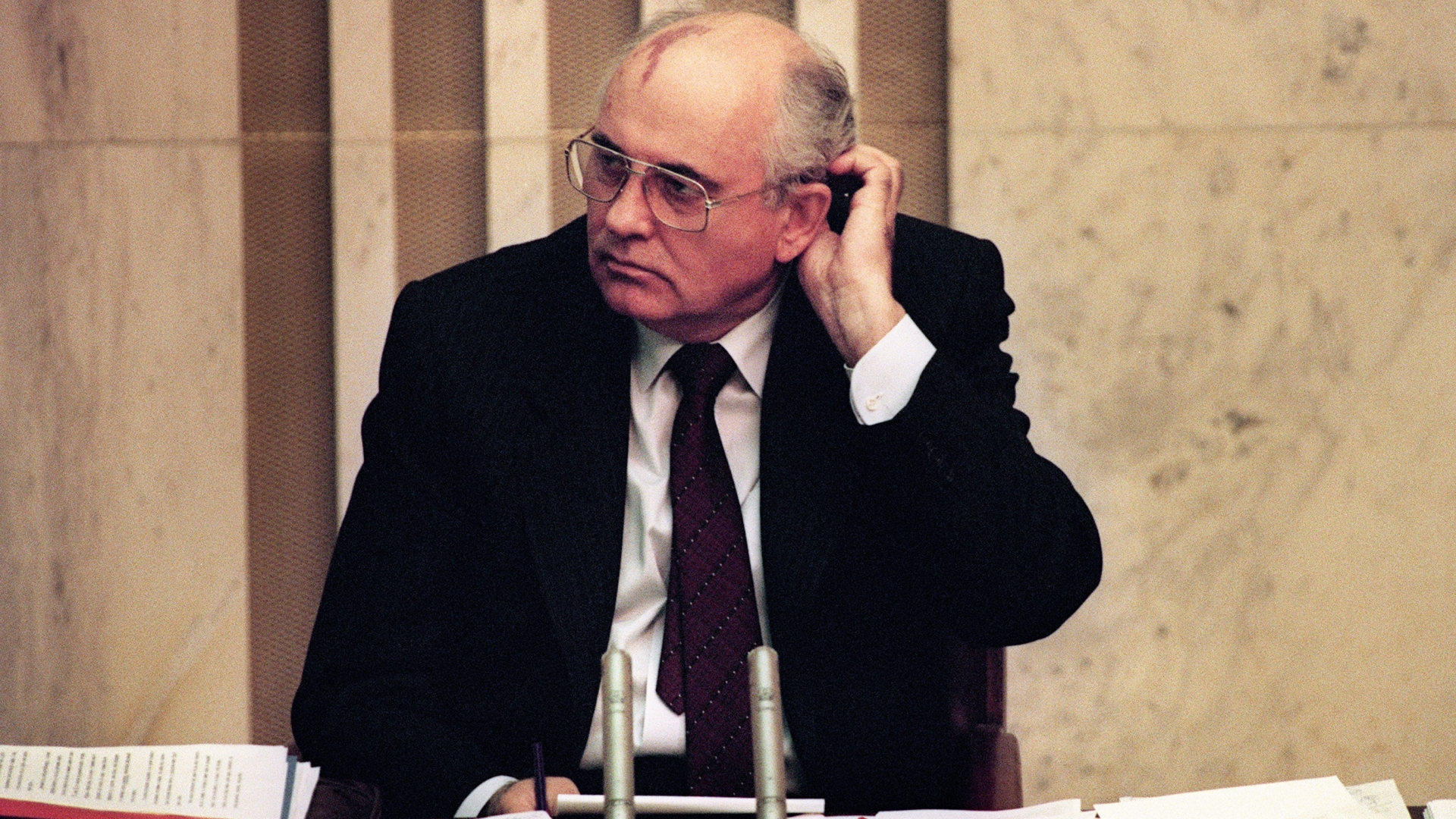 Soviet President Mikhail Gorbachev on the second day of the extraordinary session of the Supreme Soviet in Moscow on August 27, 1991. He threatened to resign if the republics refused to sign a Union Treaty to hold the Soviet Union together. (Credit: Vitaly Armand/AFP/Getty Images)