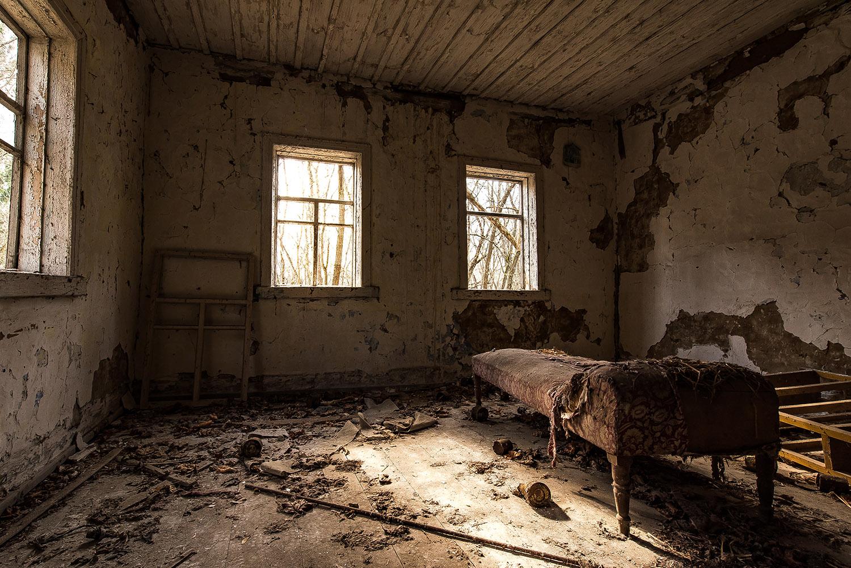 An abandoned bedroom in Pripyat, Ukraine, 2017. (Credit: Andreas Jansen/Barcroft Images/Barcroft Media/Getty Images)