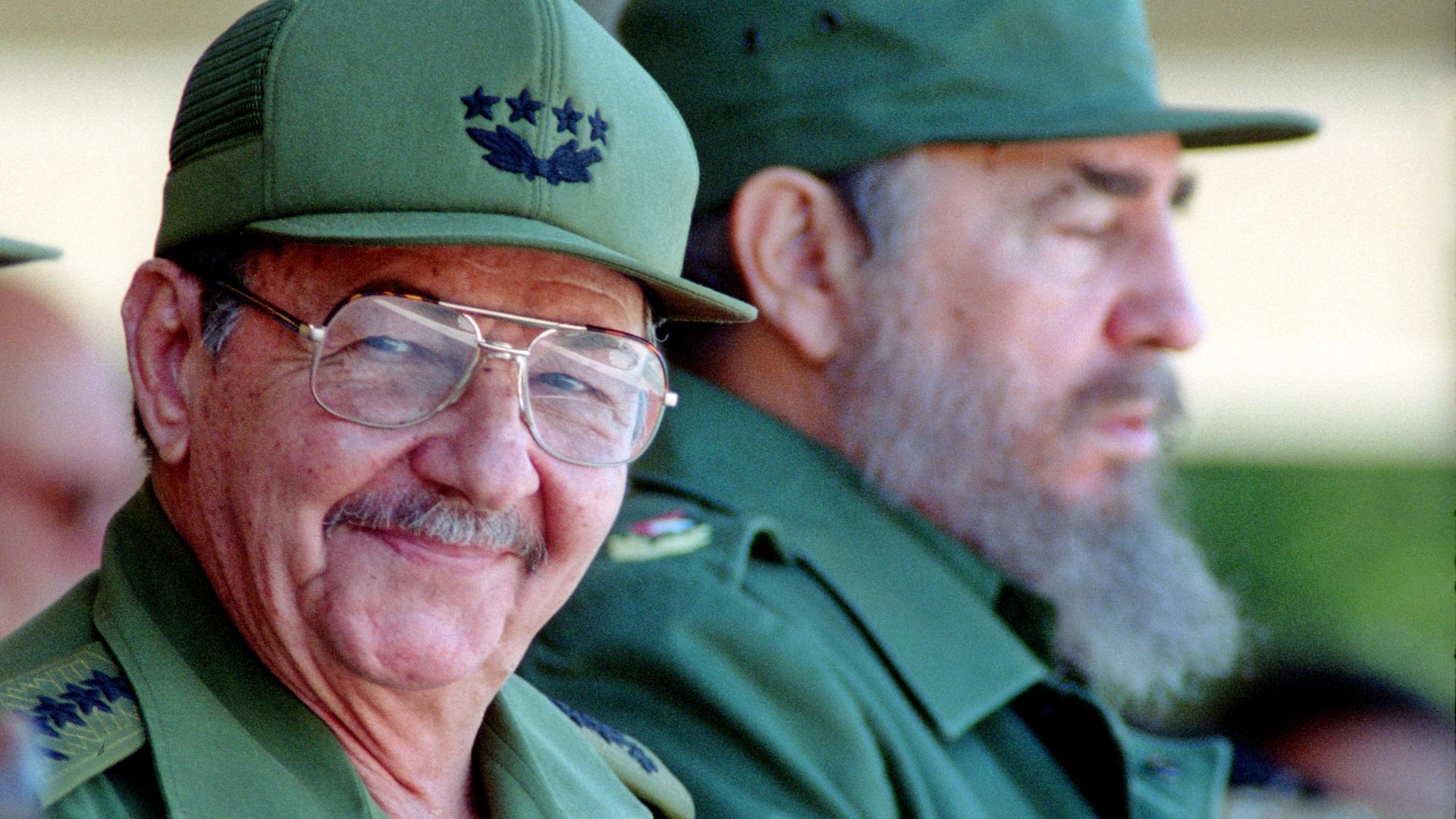 Raul and Fidel Castro. (Credit: Sven Creutzmann/Mambo Photography/Getty Images)