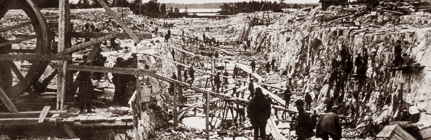Construction of the White Sea-Baltic Canal, which was constructed between 1931 and 1933 by forced labor of Gulag inmates. According to official records and accounts in the works of Aleksandr Solzhenitsyn, between 12,000 and 240,000 laborers died during the construction of the canal. (Credit: Laski Diffusion/Getty Images)