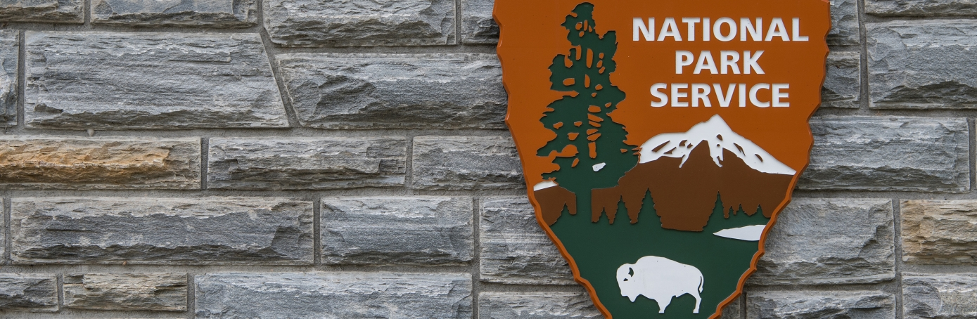 National Park Service sign. (Credit: KellyVanDellen/Getty Images)