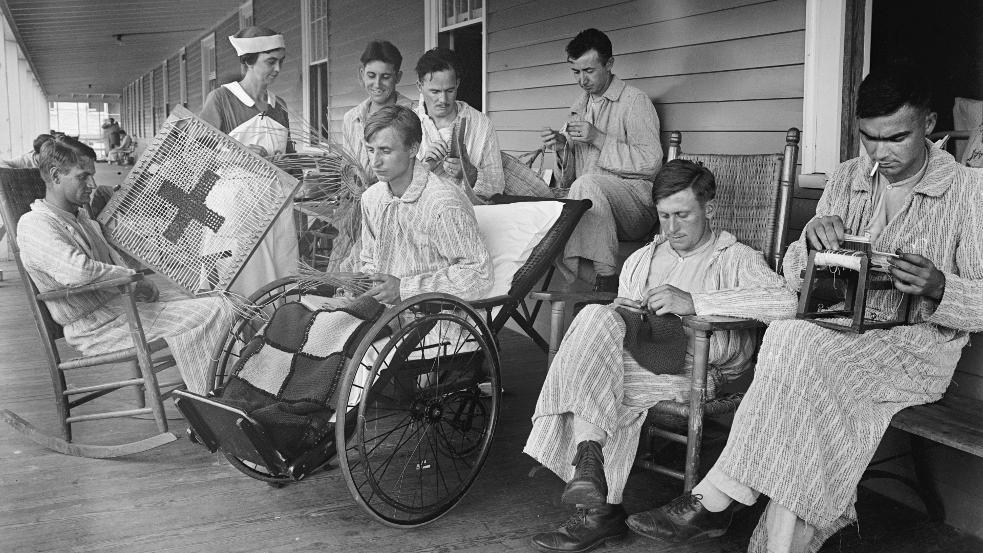 Injured soldiers at Walter Reed General Hospital in Washington, D.C.1918. (Credit: GHI/Universal History Archive/Getty Images)