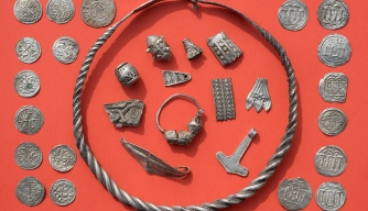 13-Year-Old Uncovers Silver Treasure of Viking King Bluetooth