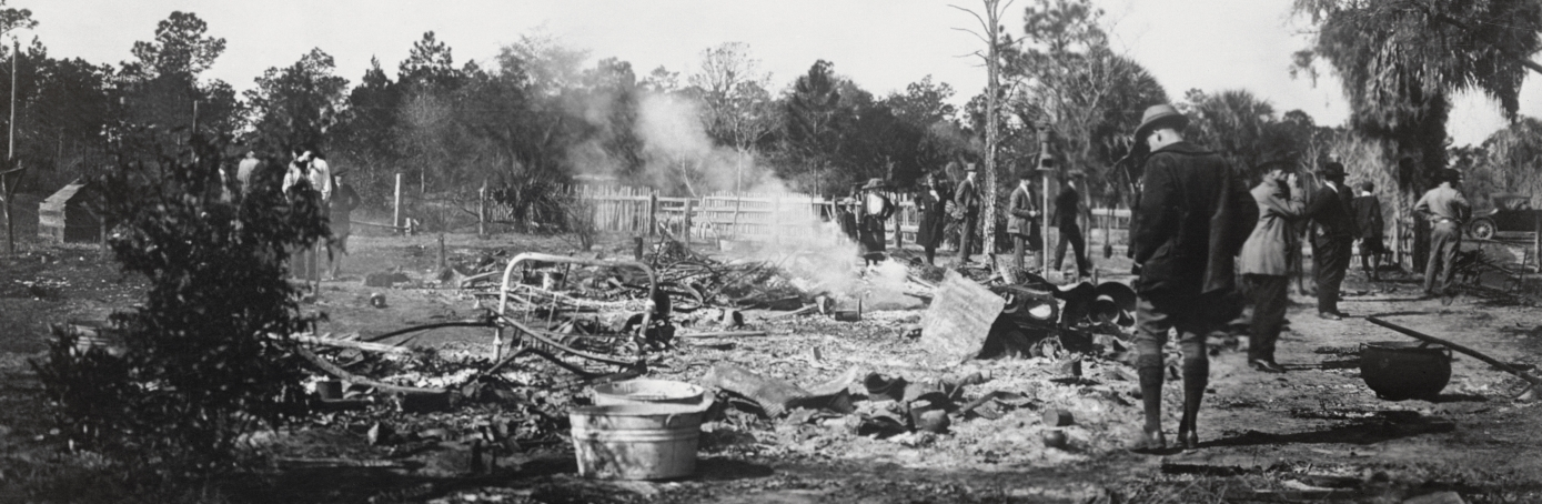 The ruins of the two-story shanty near Rosewood, Florida, where twenty Negroes barricaded themselves and fought off a band of whites. The race riots followed an alleged brutal attack on a white girl by a Negro, Jesse Hunter. (Credit: Bettmann Archive/Getty Images)