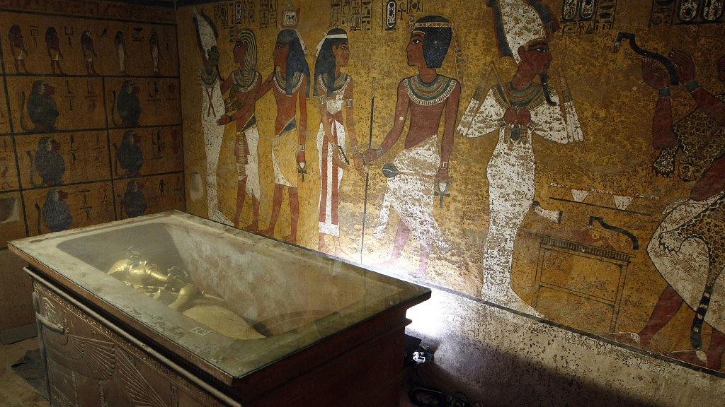 The sarcophagus of King Tutankhamun in its burial chamber, 2007. (Credit: Cris Bouroncle/AFP/GettyImages)