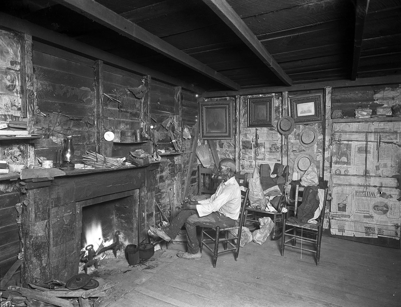 Cudjo Lewis at home. (Credit: Erik Overbey Collection, The Doy Leale McCall Rare Book and Manuscript Library, University of South Alabama)