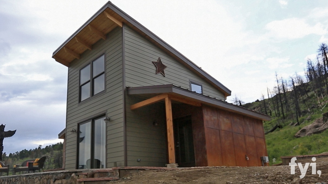 Phenomenal Thn Pin 6 Season 2 Preview Pictures Tiny House Nation Fyi Largest Home Design Picture Inspirations Pitcheantrous