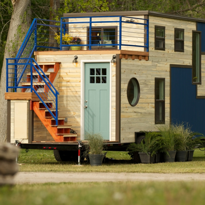 Fantastic Tiny House Nation Tiny House Tour Romantic Abode Fyi Network Largest Home Design Picture Inspirations Pitcheantrous